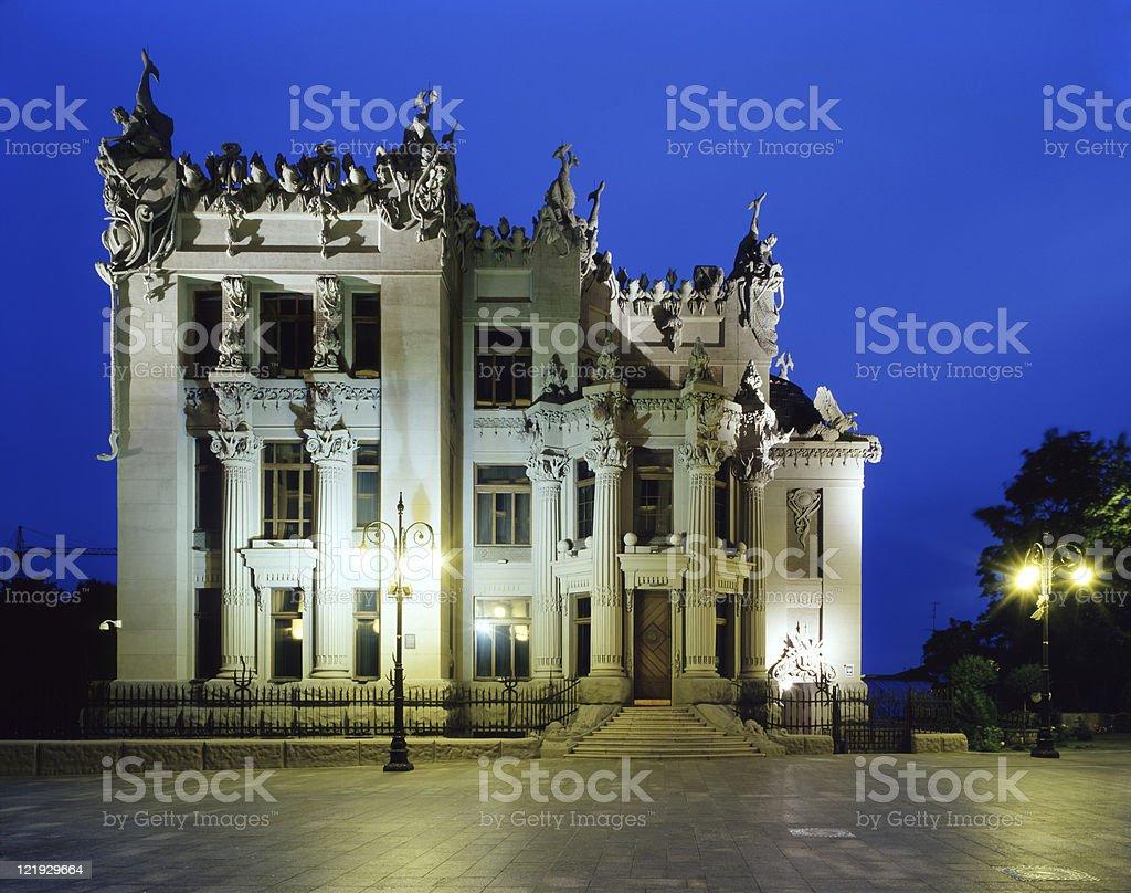 Haus mit chimeras Lizenzfreies stock-foto