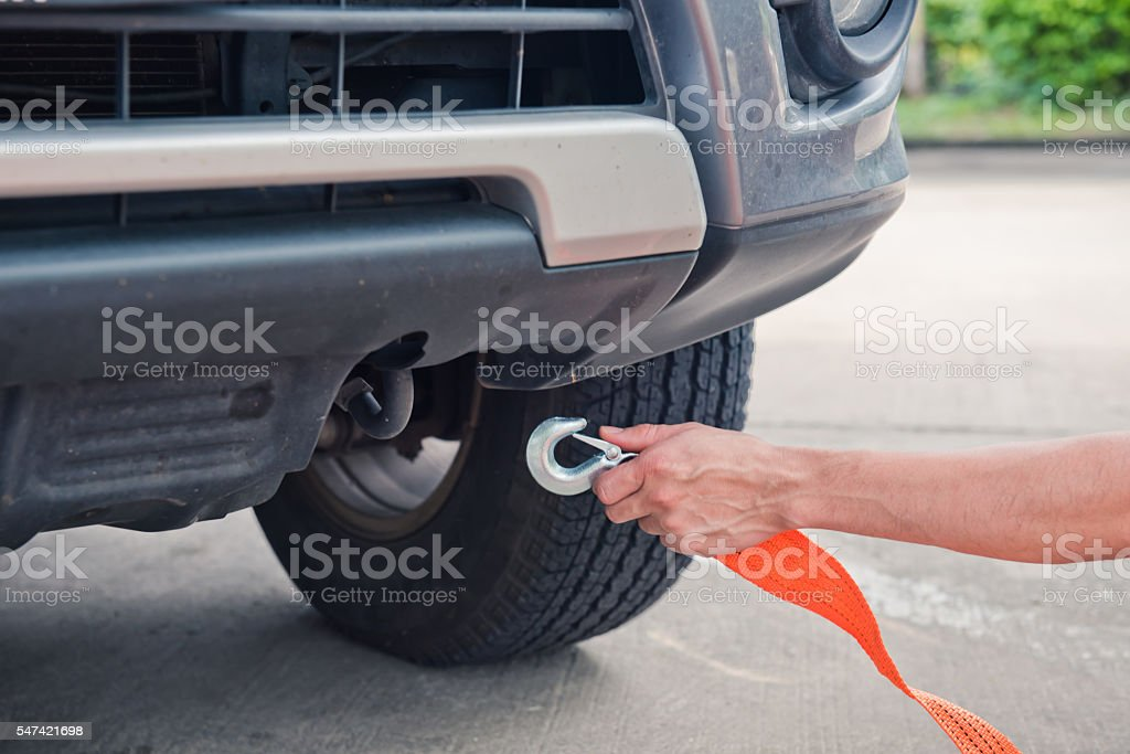 How to use cables to tow a car stock photo