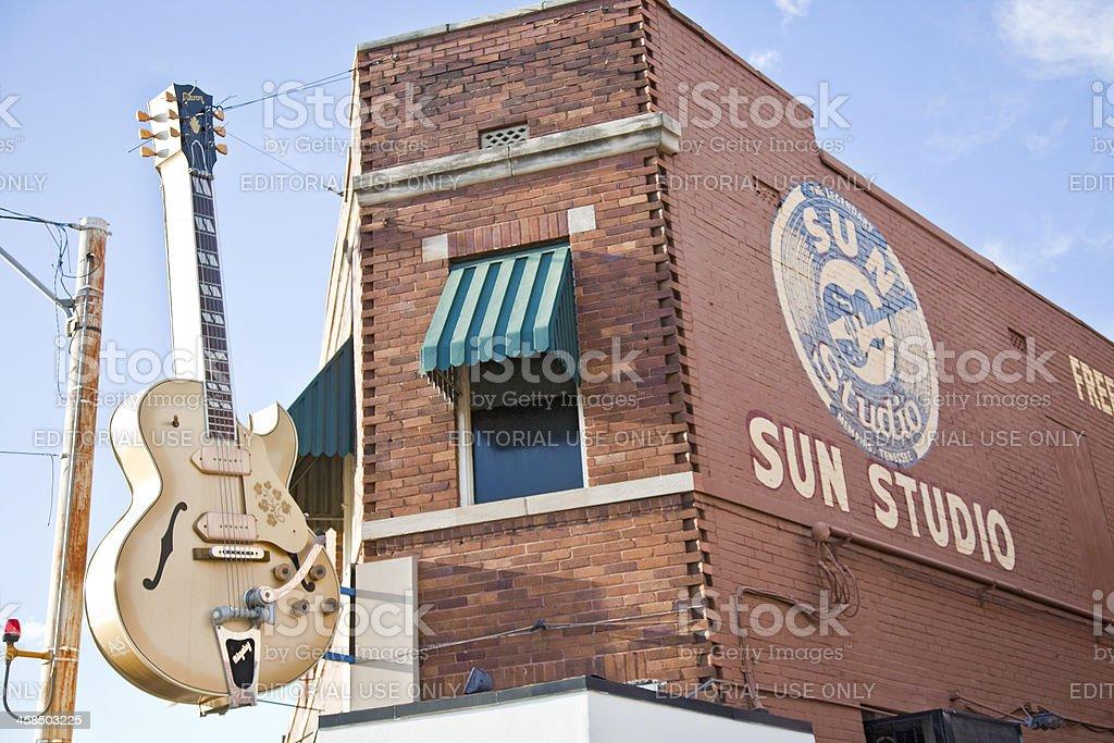 Huge Gibson guitar outside Sun Studio, Memphis, Tennessee, USA stock photo
