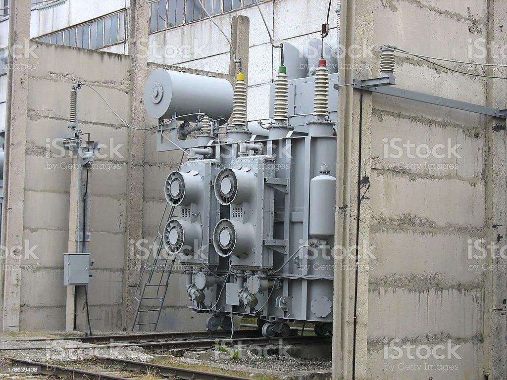 Enorme industrial conversor de Alta Tensão foto de stock royalty-free