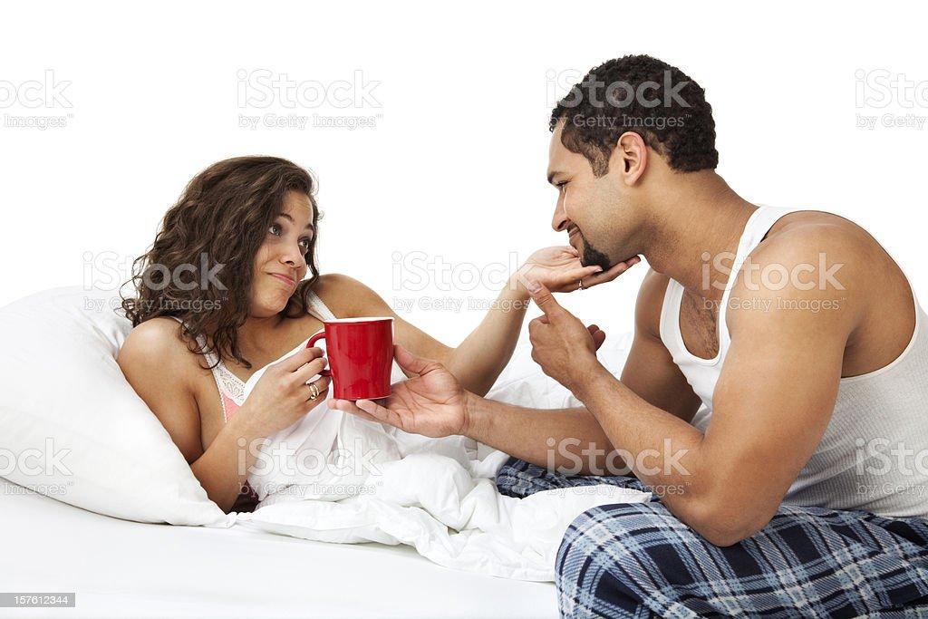 Смотреть муж и жена в постели фото 159-500