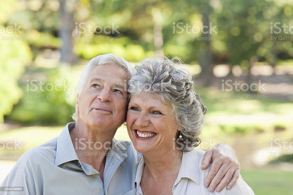 Муж смотрит на то как его жену фото 586-165