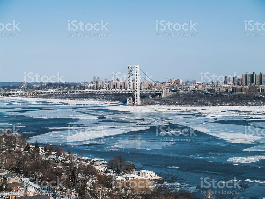 Ice Floes on the Hudson River - Winter Freeze 2015 stock photo