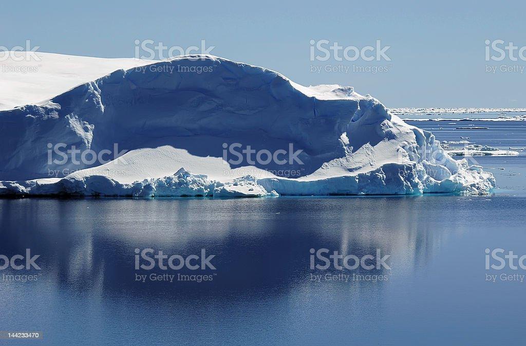 氷山の穏やかな海 ロイヤリティフリーストックフォト