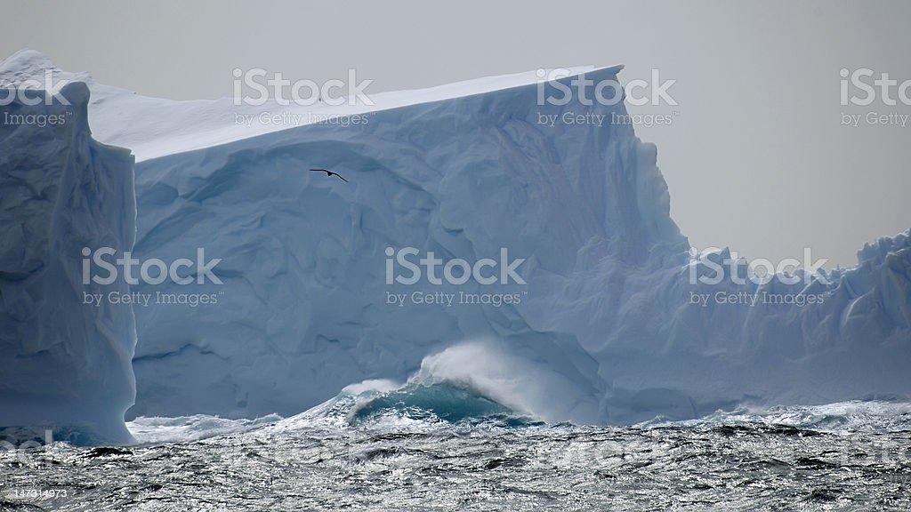 氷山の海に映る ロイヤリティフリーストックフォト