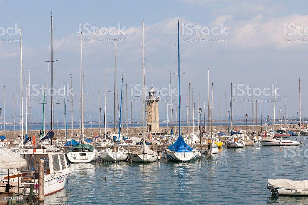 Il porto di Desenzano del Garda stock photo