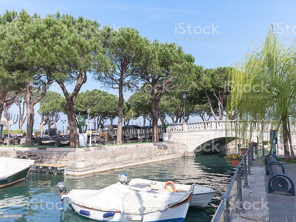 Il porto Vecchio di Desenzano del Garda stock photo
