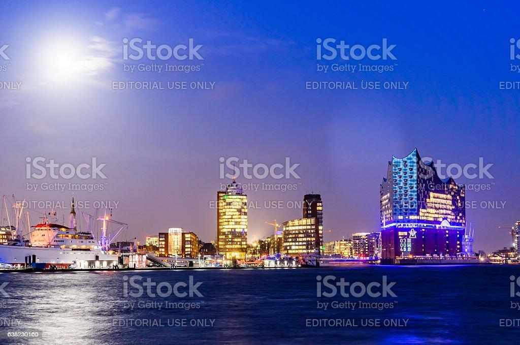 Illuminated Elbphilharmonie building at night at Hamburg-HafenCity stock photo
