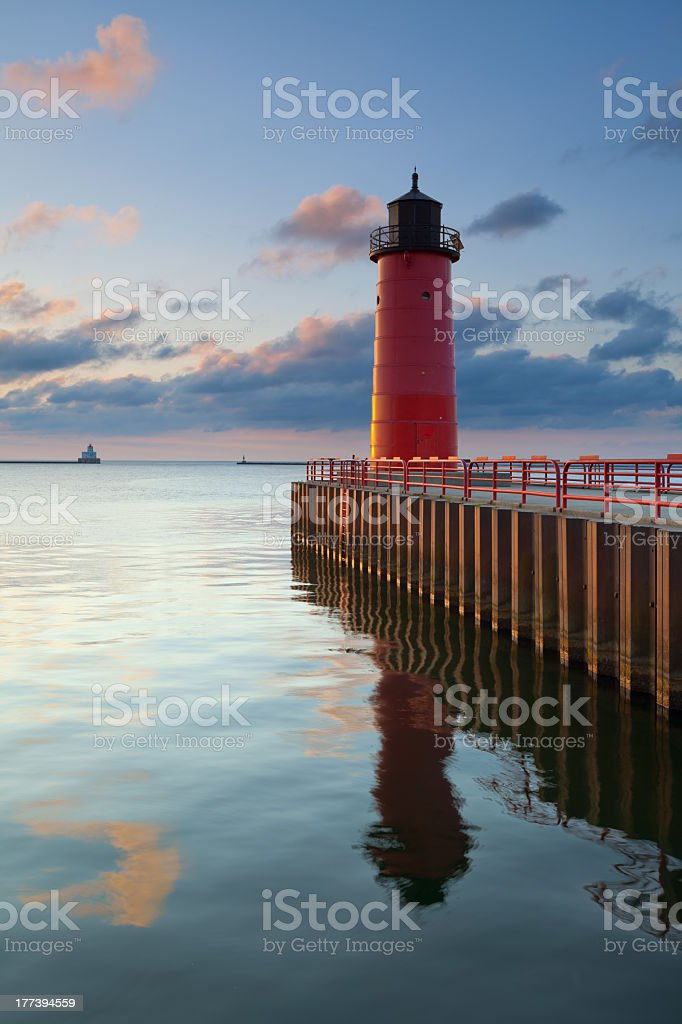 Image of a lighthouse in Milwaukee, with views out to sea  stock photo