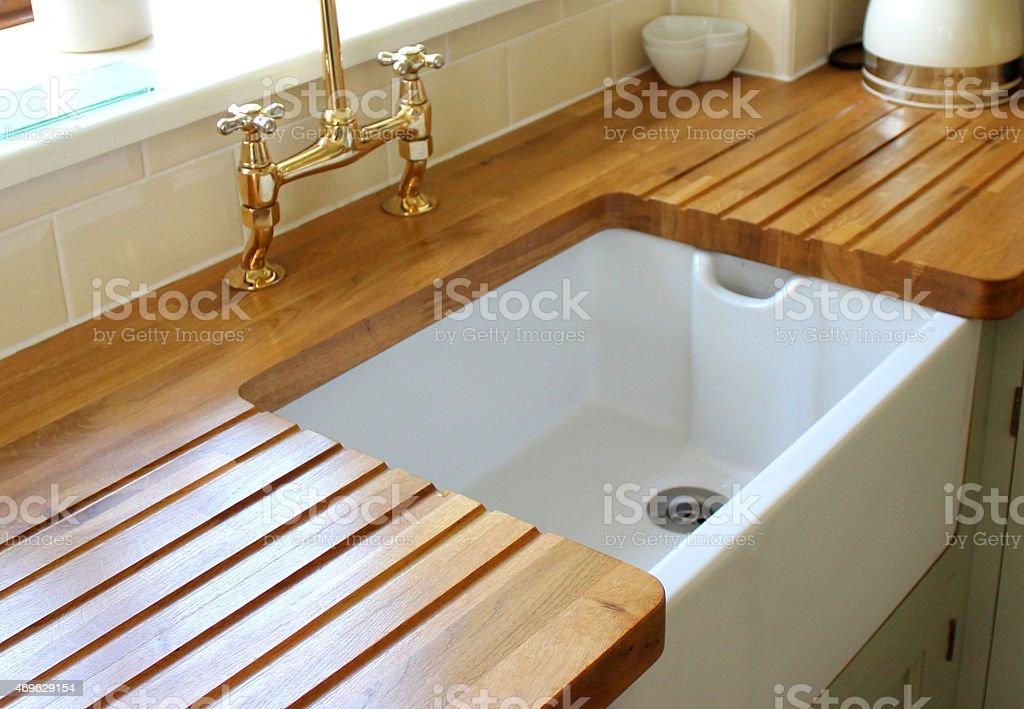 imagen del pas la cocina con fregadero encimera de mayordomo drainer madera foto de