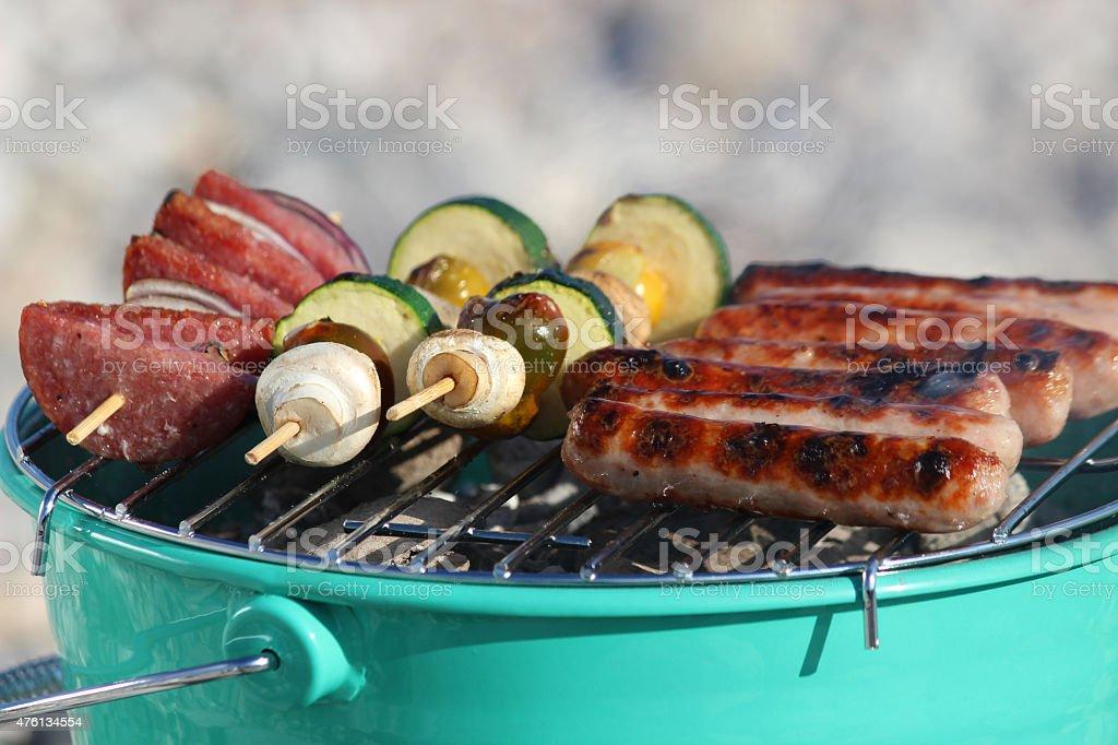 Барбекю приготовление пищи угловые электрокамины в интерьере гостиной фото