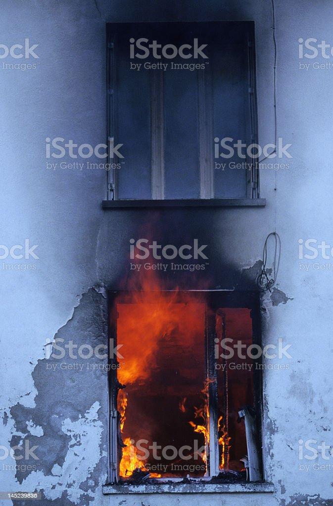 incendie d'une maison stock photo
