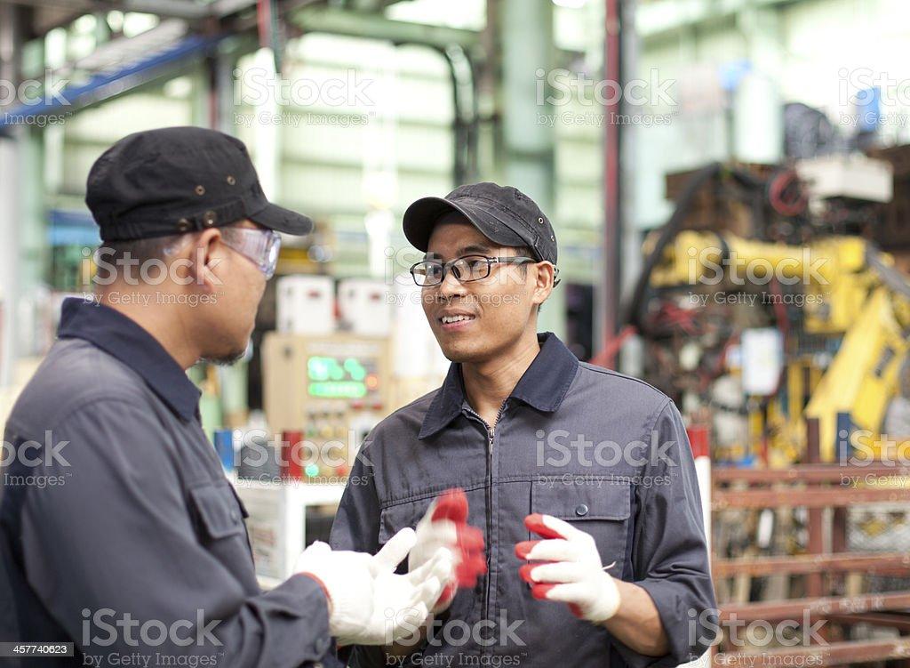 Ingenieure in industrielle Fabrik Lizenzfreies stock-foto