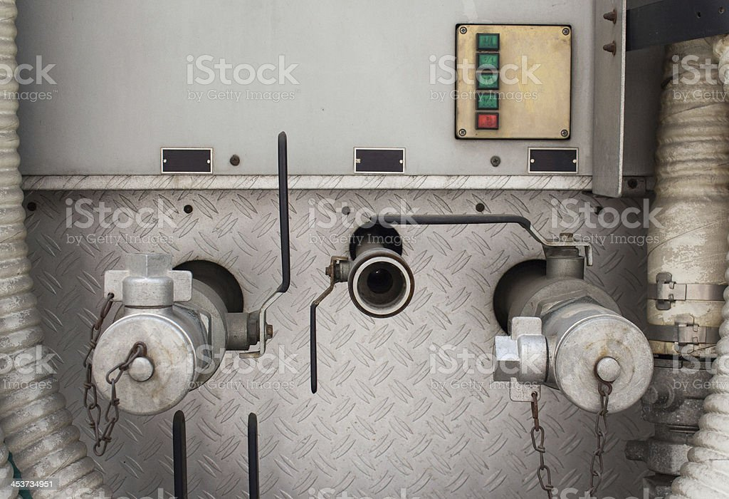 Промышленный высоким давлением, клапан и метчики с крышкой Стоковые фото Стоковая фотография