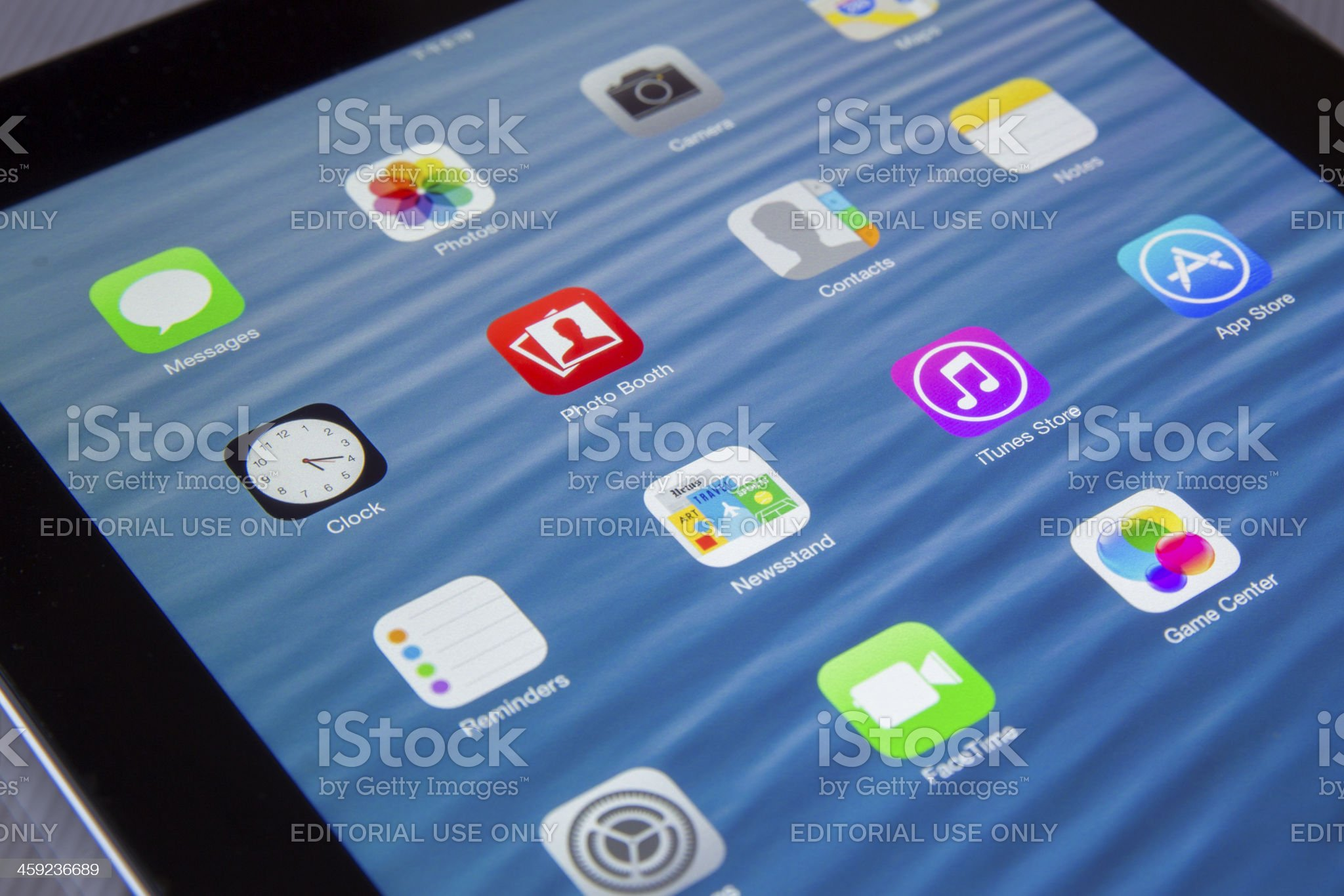 iOS 7 on iPad 4 royalty-free stock photo