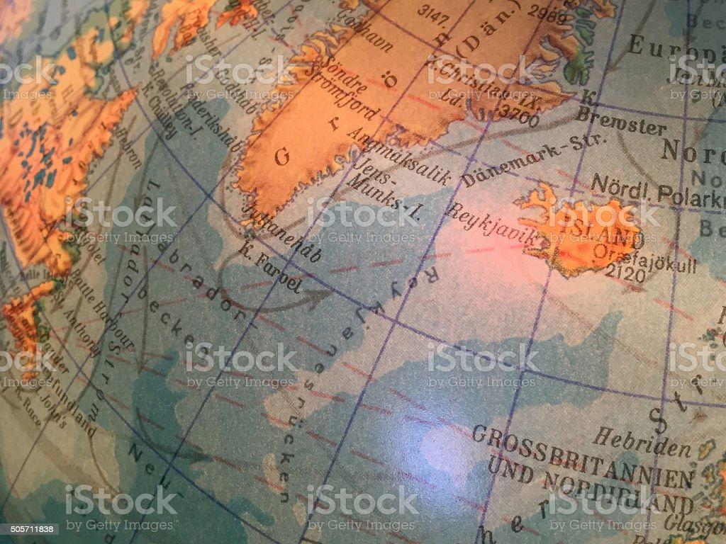 Island Karte / alter  Globus / Weltkarte stock photo