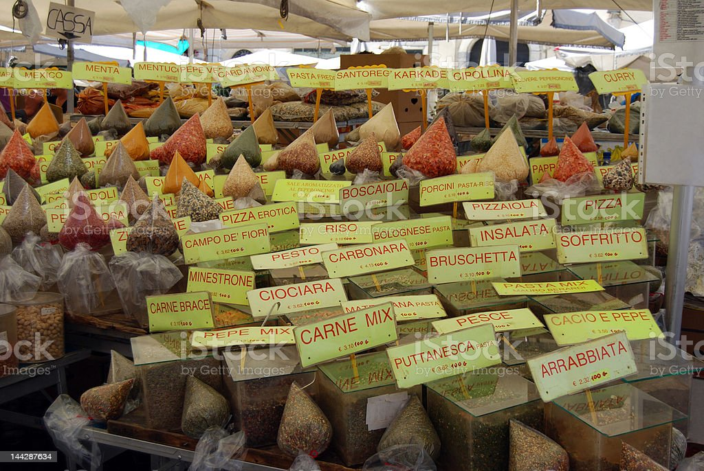 Mercado movimentado de italiano foto royalty-free