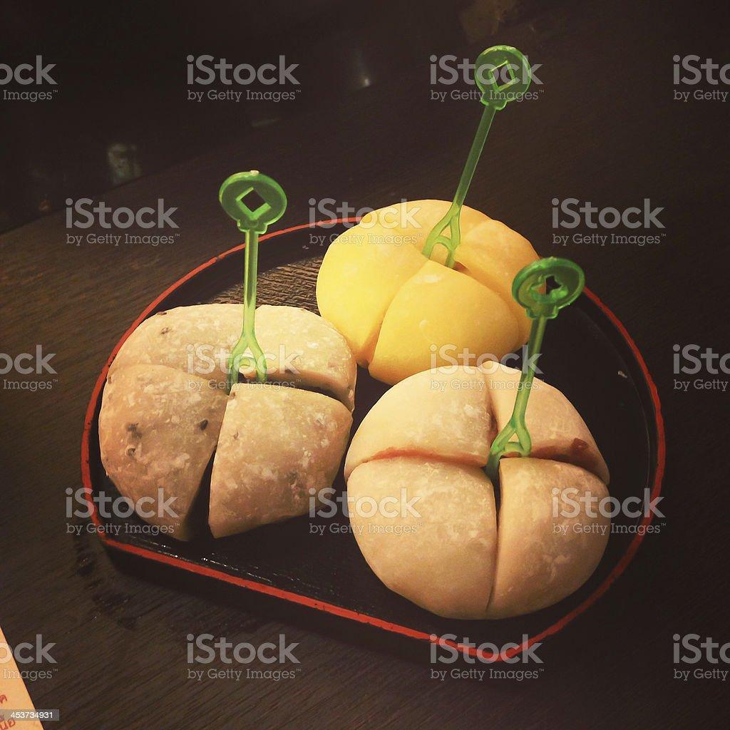 Японский Daifuku мягкого Рисовая оладья Фаршированный с очаровательной варенье Стоковые фото Стоковая фотография