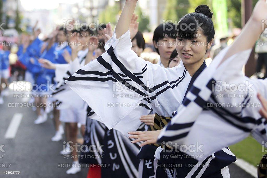 Japanische Frauen Tanzen in Symmetrie im Ohara Matsuri festival Lizenzfreies stock-foto