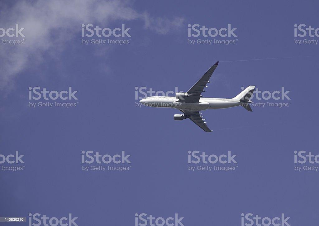 Jet liner descending to Heathrow stock photo