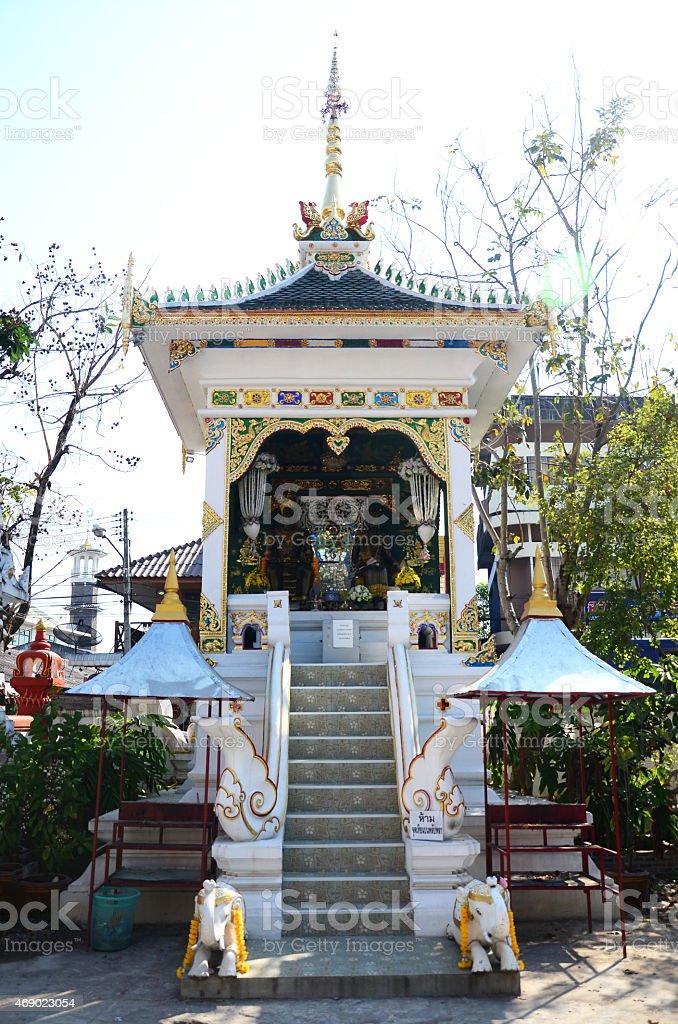 Joss house of King Mengrai Statue in Wat Ming Mueang stock photo