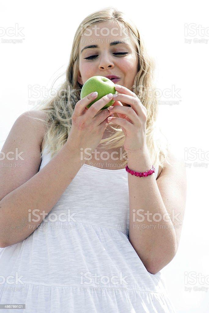 Junge Frau an der See stock photo