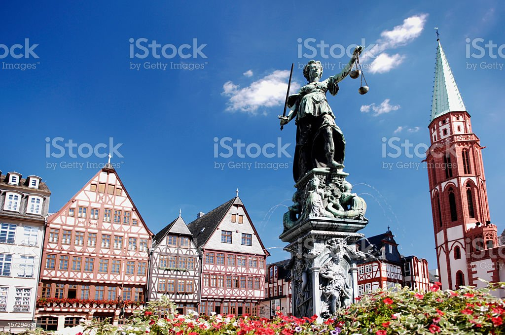 Justitia, Römerberg Frankfurt stock photo