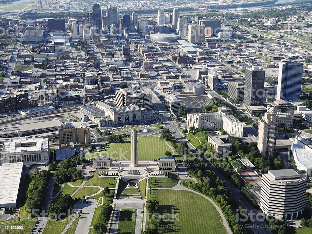 Kansas City Skyline & World War I Memorial stock photo