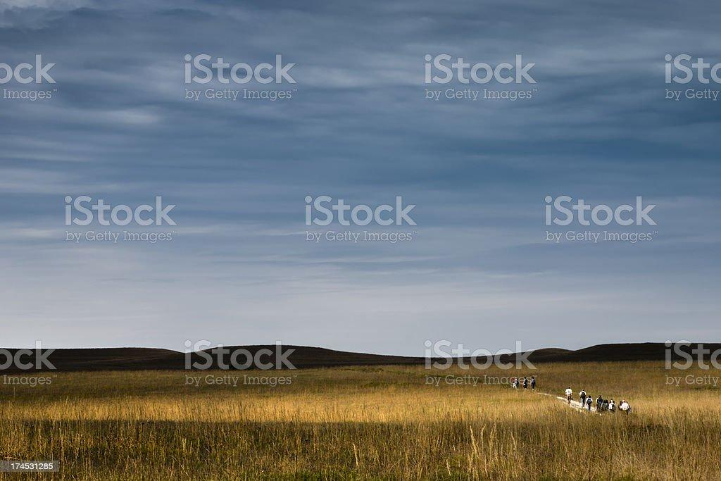 Les randonneurs de Tallgrass Prairie Kansas photo libre de droits