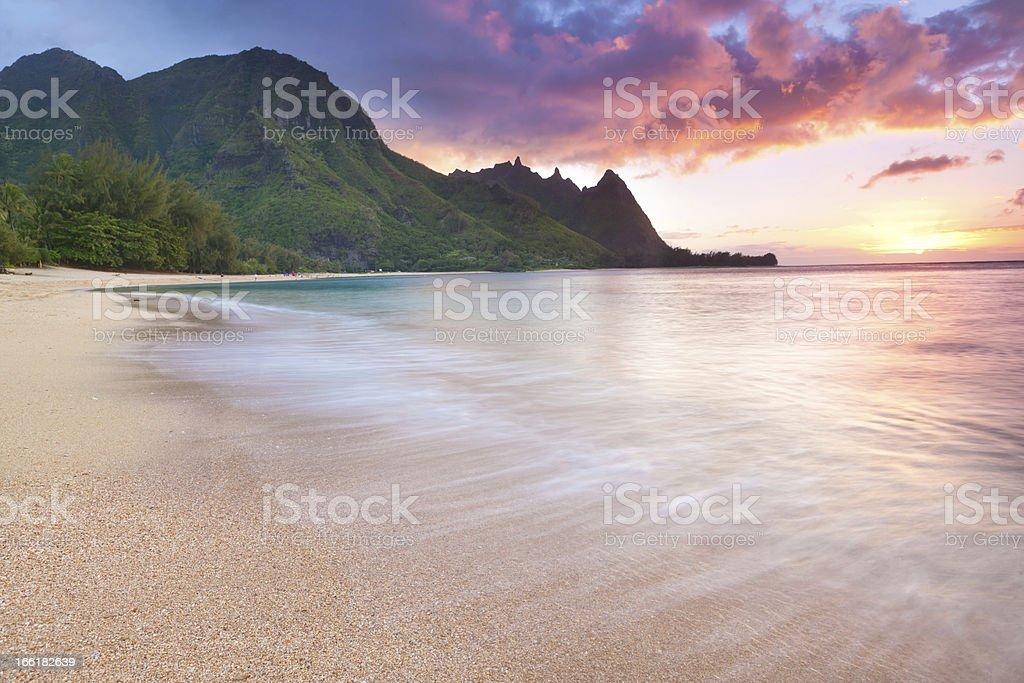 Kauai-tunnels Beach in  Hawaii at sunset stock photo
