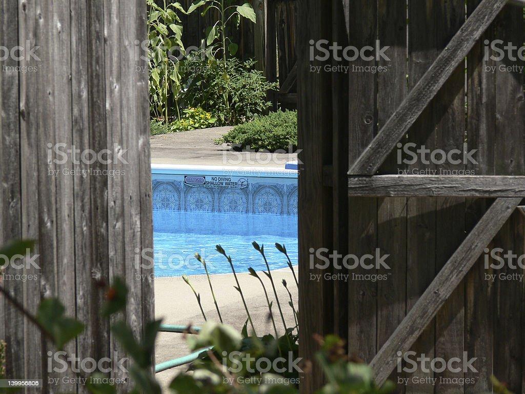 Mantenha os portões fechado e trancado! foto royalty-free