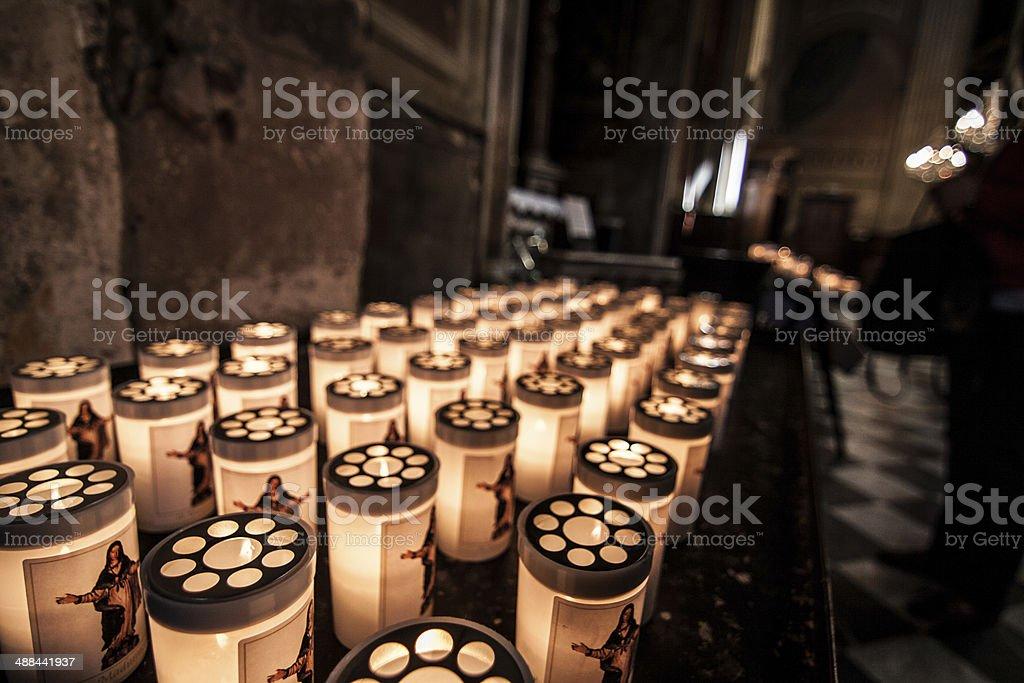 Kerzen in der Kirche stock photo