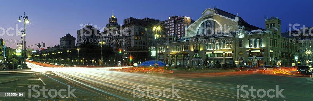 Khreshchatyk Nacht Lizenzfreies stock-foto
