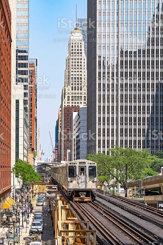 Kimball Brown Line train Downtown on Chicago 'L' stock photo