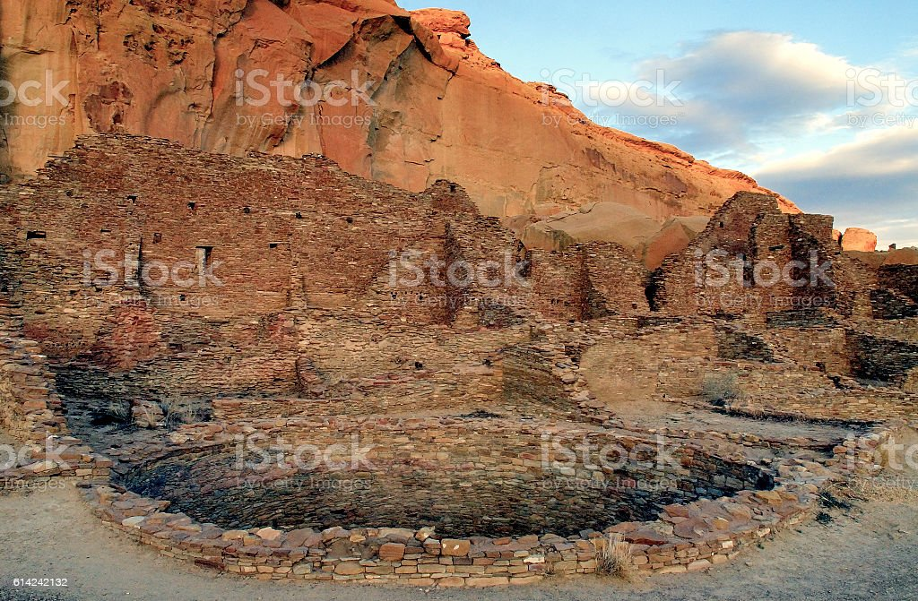 Kiva and ruins at Pueblo Bonito, Chaco Canyon stock photo