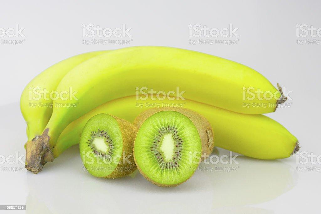 Fruta Kiwi e bananas foto royalty-free