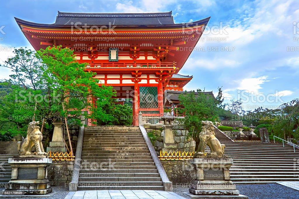 Templo Kiyomizu-dera portão. Kyoto, Japão foto royalty-free
