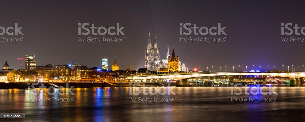 Köln mit Kölner Dom und Rhein stock photo