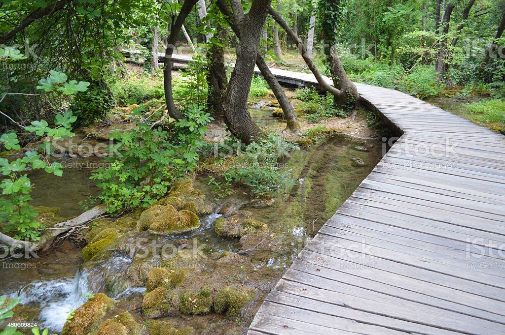 Krka park pasarela en Croacia foto de stock libre de derechos