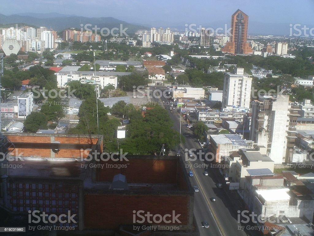 la ciudad de maracay desde los aires stock photo