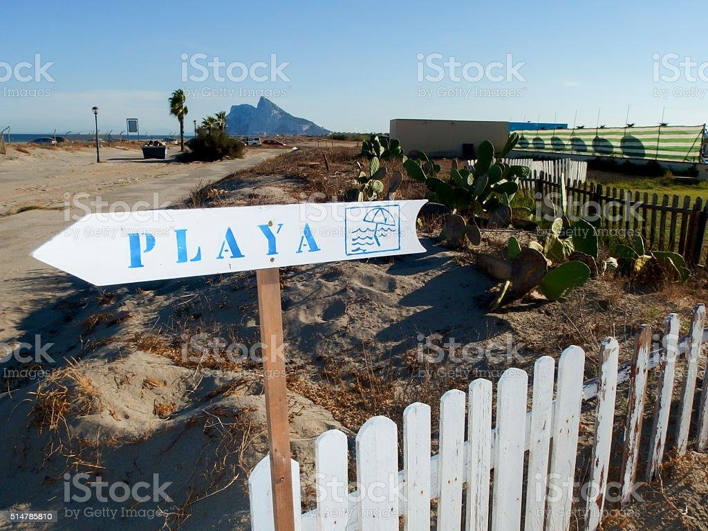 La playa y el peñón stock photo