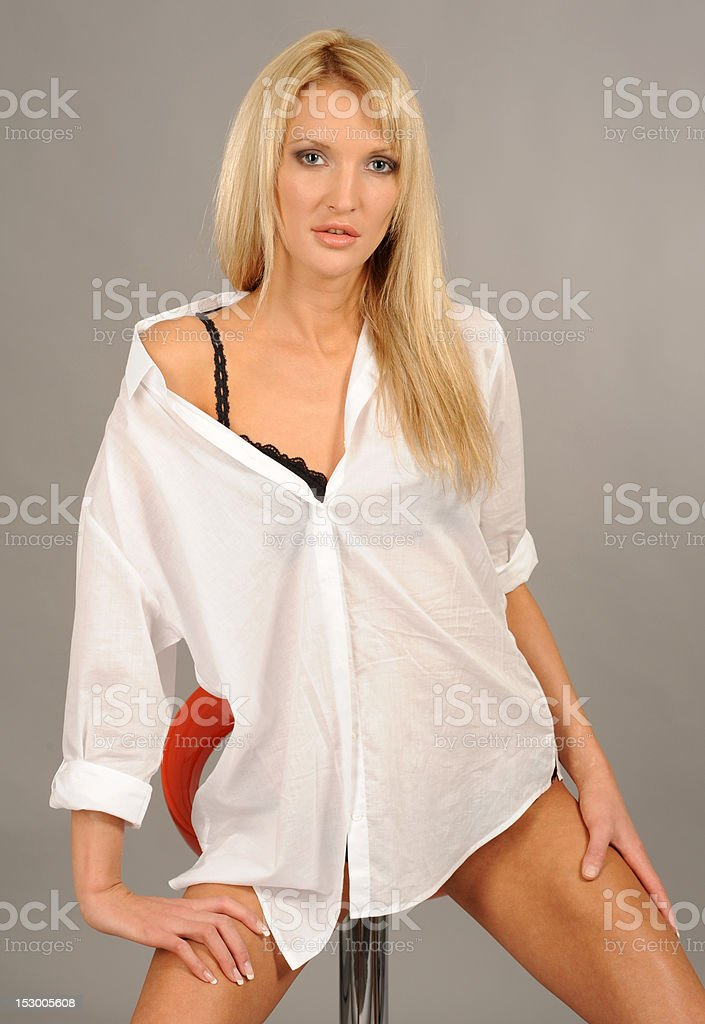 La Dame en noir et blanc chemise underclothes photo libre de droits