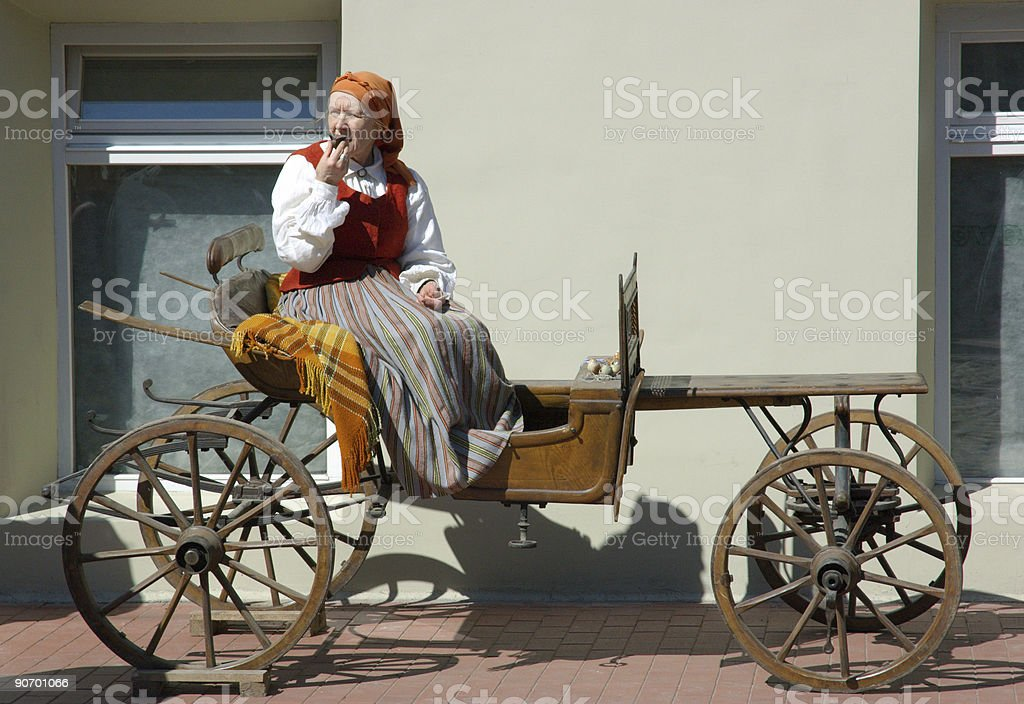 Lady avec sifflet d'argile photo libre de droits