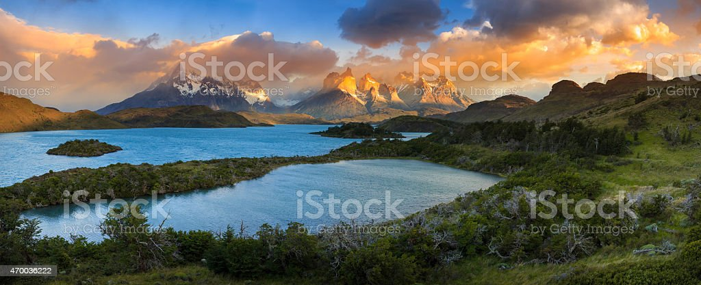 Lago Pehoe, National Park Torres del Paine in southern Chile stock photo