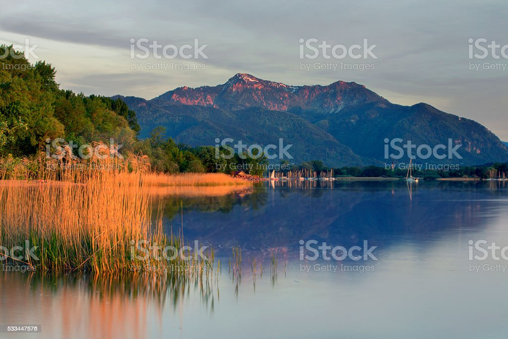 Lake chiemsee - Harbour Feldwies an Mount Hochfelln stock photo