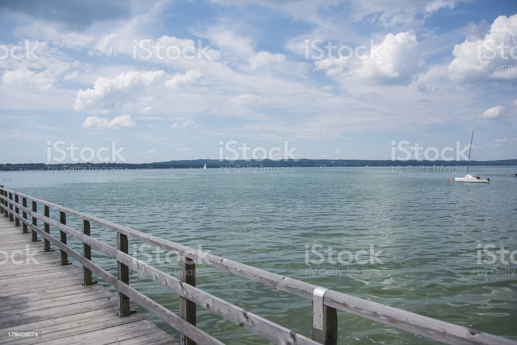 Starnberger See mit Steg royalty-free stock photo
