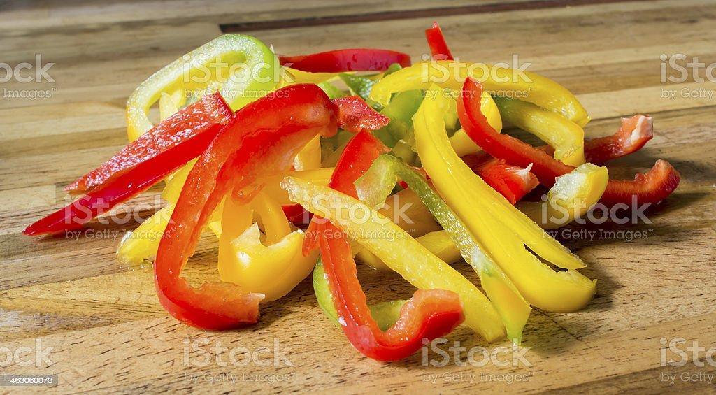 Lamelles de poivrons tricolores stock photo