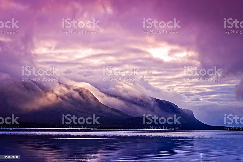 Paysage avec montagnes et les nuages photo libre de droits