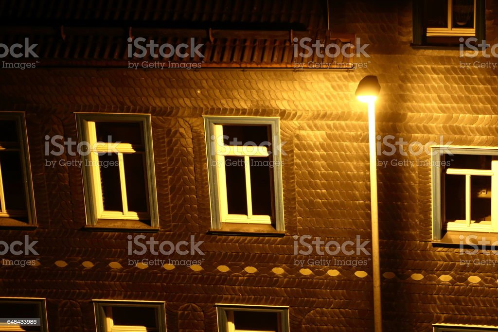 Laterne vor Hauswand stock photo