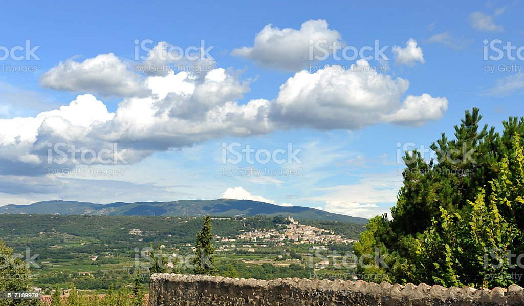 Le Luberon : close to Lacoste and Bonnieux stock photo